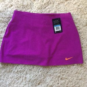 NWT Nike Dri-Fit Tennis Skirt. (M)